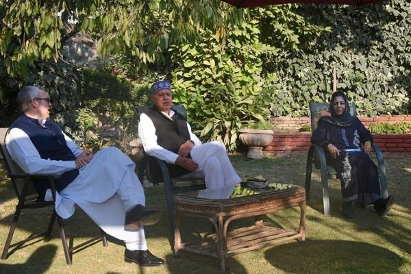 farooq abdullah said in a secret meeting we demand people s right back