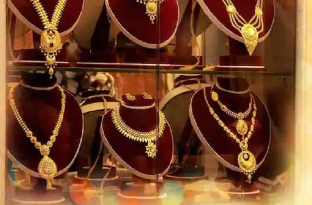 gold and silver prices surge before diwali quickly test new rates