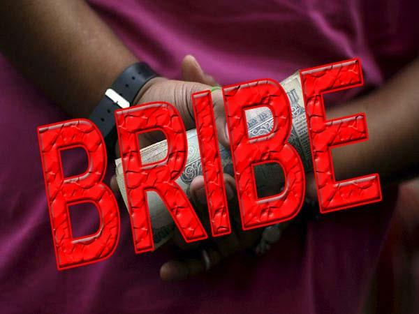 sdo of jal shakti department caught with bribe