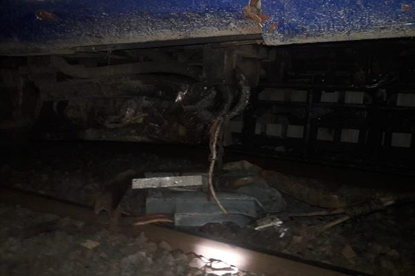bihar accident on samastipur muzaffarpur route pooja special train derailed
