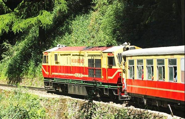 himalaya queen train