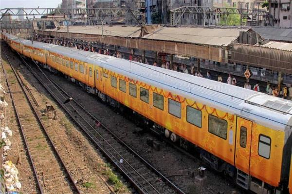 railways receives 120 applications for private trains