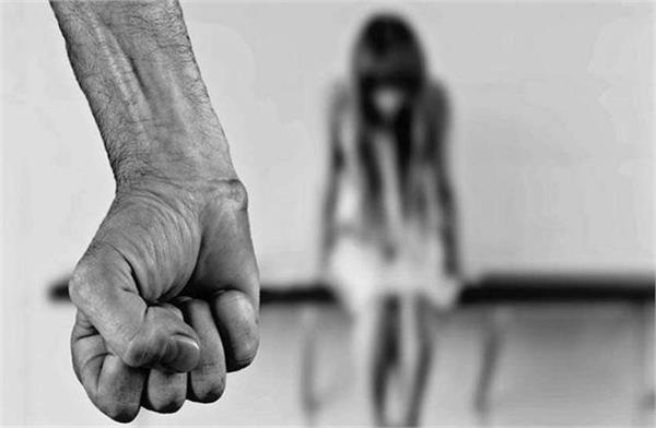 junior student was molested for 4 years under pressure