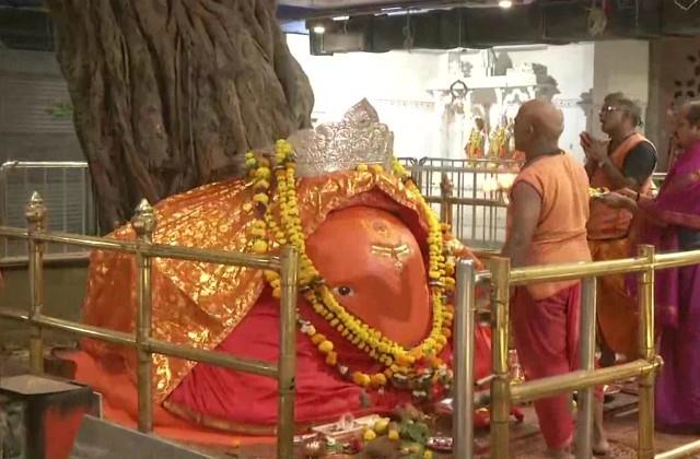 the doors of all religious places open in maharashtra today