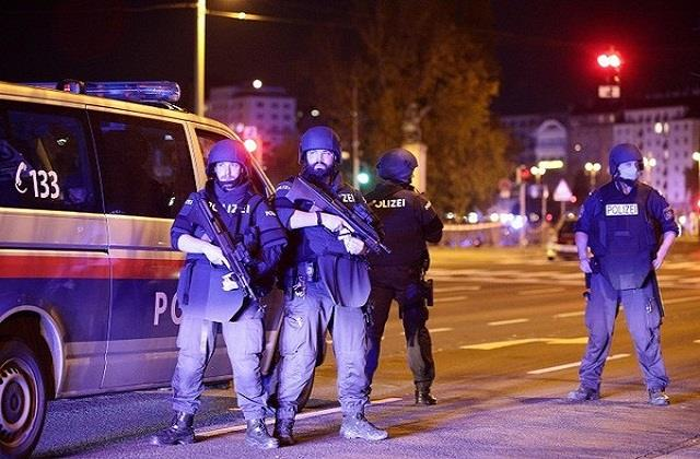 austria seven killed many injured in firing in vienna