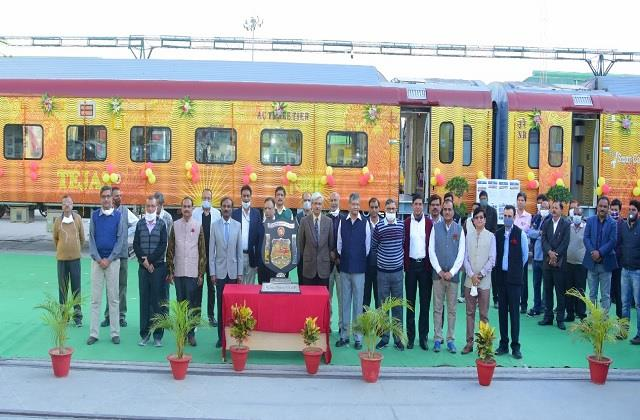 rail coach factory built the first 160km smart tejas rake of indian railways