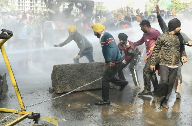 farmers got permission to entered in delhi