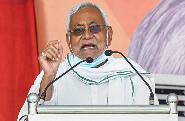 nitish targeted the opposition