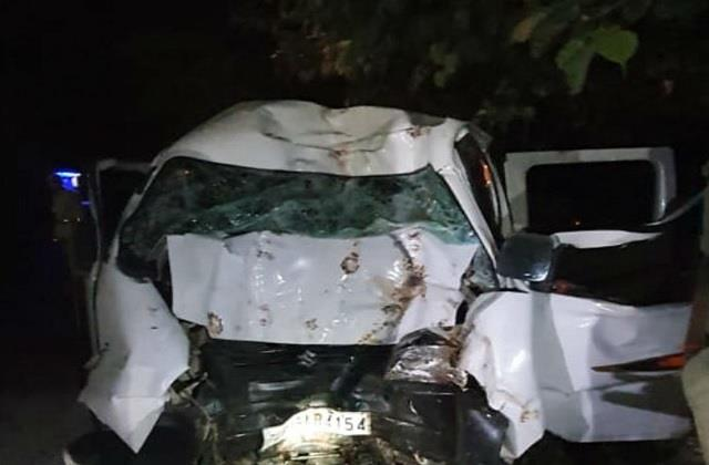 up uncontrolled car overturns 6 people die in a horrific road accident