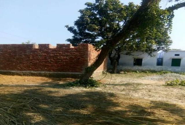 construction of community toilets delayed in kushinagar