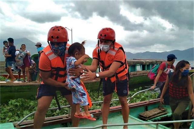 super typhoon goni makes landfall in philippines