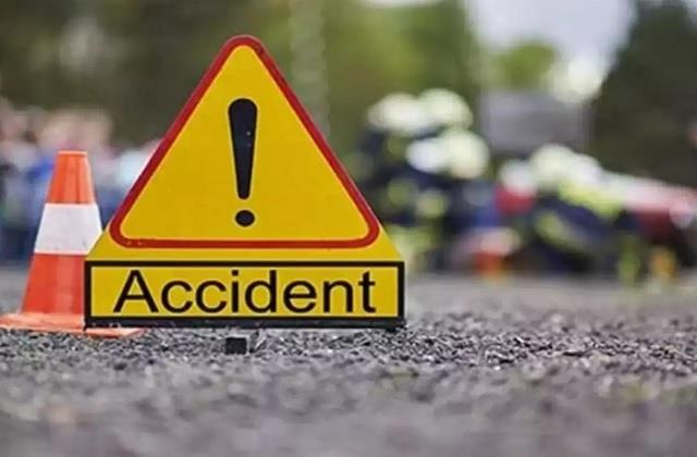 one laborer dies due to overturning of bus in rohtas