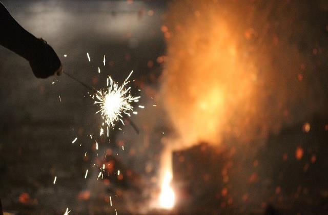 fireworks cracked in bihar despite ban on firecrackers