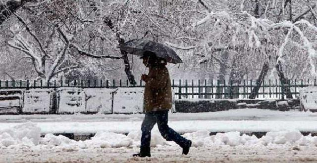 himachal s first snowfall of the season also affected punjab