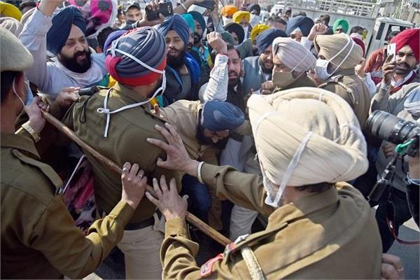 youth akali dal protests against simarjit bains