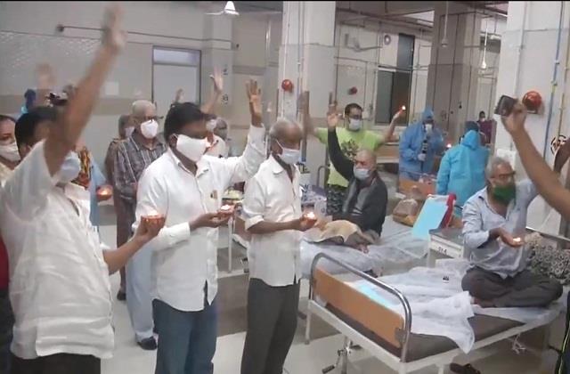 gujarat doctors celebrate diwali in hospital with corona patients