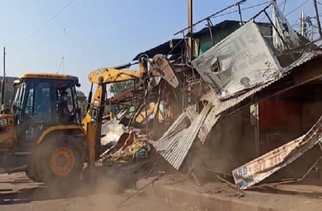 bulldozer to run on illegal occupation of iranians