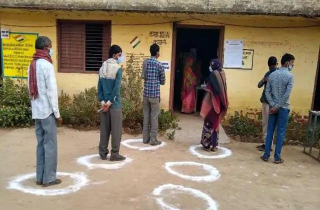 up by election voting in ghatampur under tight security