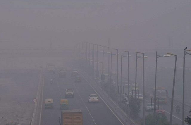 दिल्ली की तरह पंजाब की हवा में भी घुला जहर, सांस लेना हुआ मुश्किल