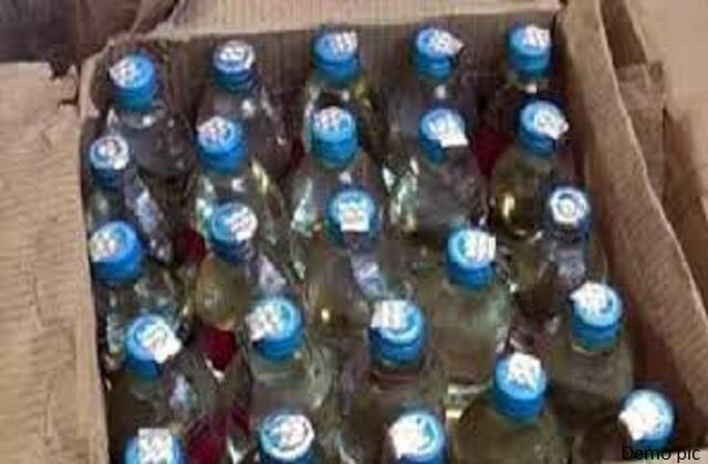 10 bottles of country liquor caught by shopkeeper
