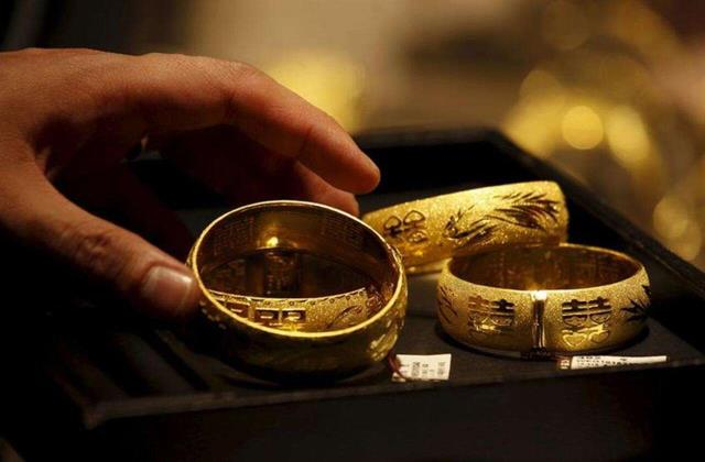 gold cheaply before diwali getting many benefits including discounts
