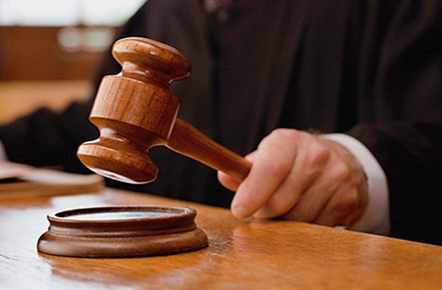 lawyer entangled with judge fined 1 lakh