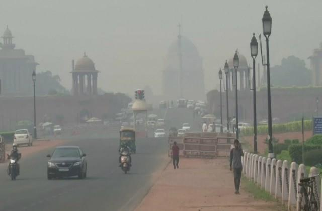 delhi minimum temperature reaches 10 6 degree celsius
