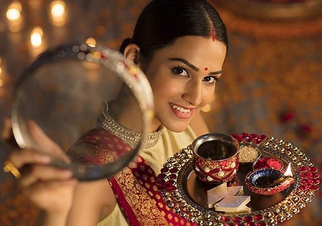 Karwa Chauth: कैसे सजाएं करवा चौथ की थाली? जानें पूजा का शूभ मुहूर्त