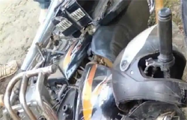 jaunpur shade mourning in the happiness of marriage two bikes died