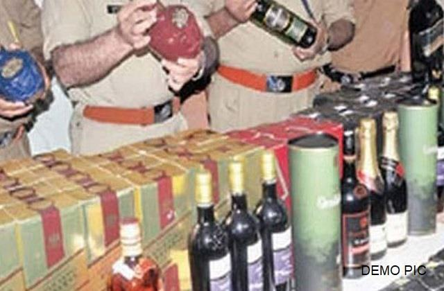 6 people arrested with heavy alcohol in jamui