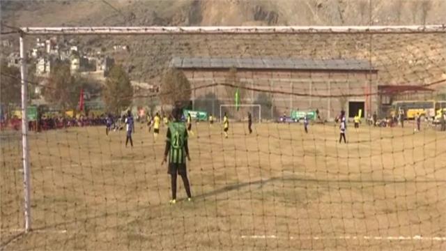 girls played football match in srinaga