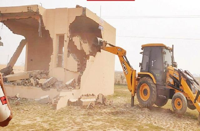 department runs jcb houses under construction in illegal colonies