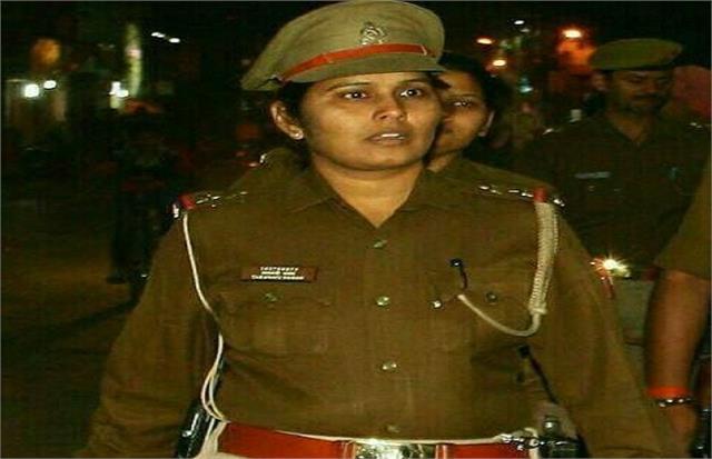 up s  lady singham taravati yadav  shakes big criminals