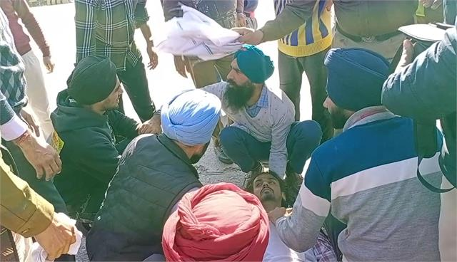 young man injured after falling from tractor trolley crossing shambhu border