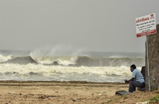 know how the names of cyclonic storms are kept