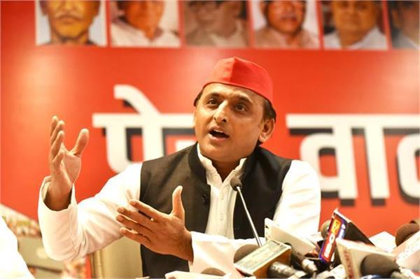 kisan andolan akhilesh said   if farmers are terrorists