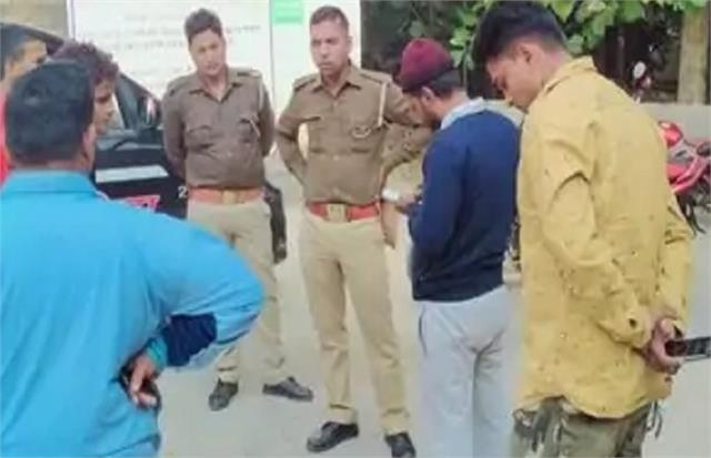 lekhpal threatens action on burning stubble farmer dies in shock