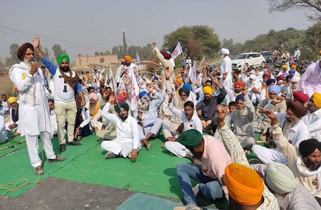 protest by farmers against farming bills started jam in punjab