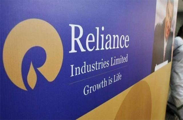 m cap reduced to rs 91 699 crore from 5 companies out of top