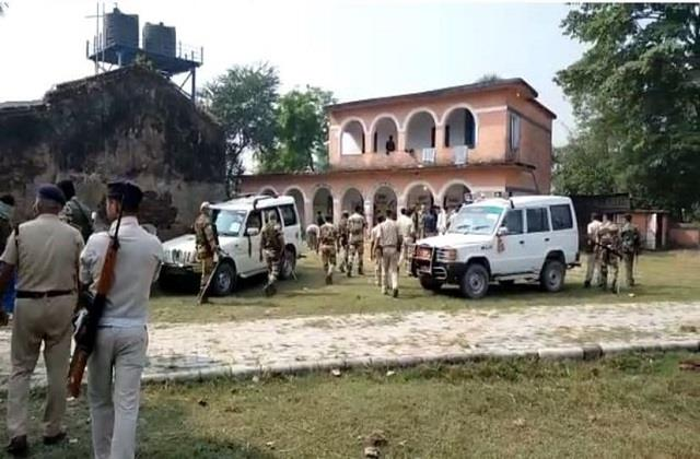 purnia clash between cisf jawan and voters at polling station