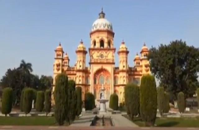 the palace of nawab rampur became an example of universal religion