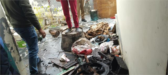 in kashmiri locality fire kept in store ashes burnt