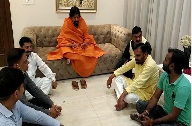 mahamandaleshwar of siddhi peeth government made law on love jihad