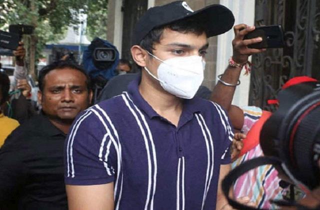 रिया के भाई ने कोर्ट में दायर की जमानत याचिका, SC के इस फैसले को बनाया आधार