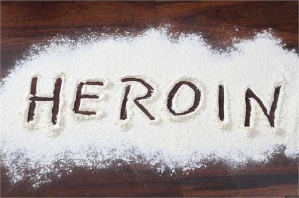 bsf caught 5 crore 25 lakh heroin