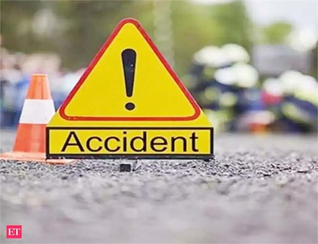 kangra road accident father son injured