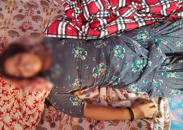 wife commits suicide by hanging in the house