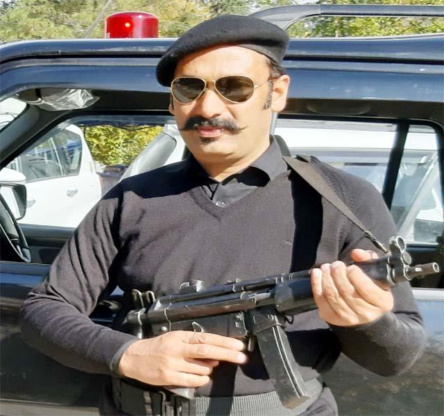 ved of kullu got the role of security in the web series