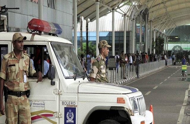 maharashtra delhi corona virus trains airlines