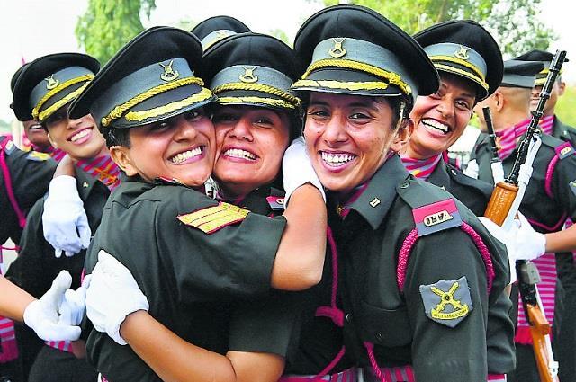 ऐतिहासिक पल: भारतीय सेना में महिलाओं को बराबर अधिकार, 422 अफसरों को मिला परमानेंट कमीशन